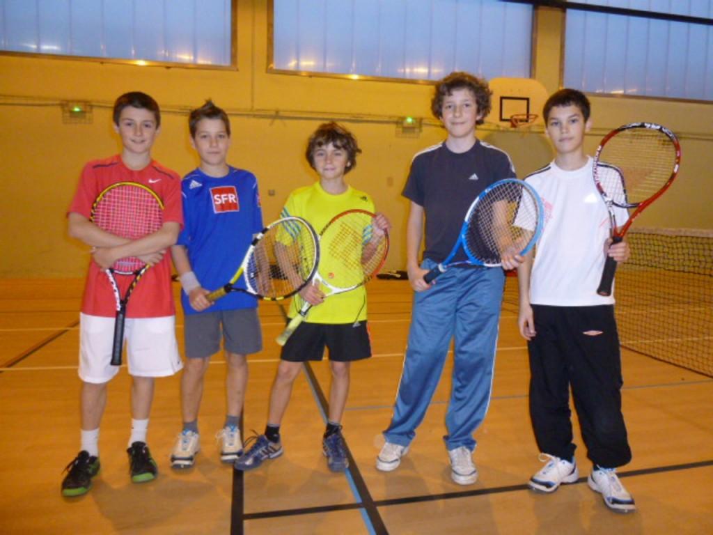M dias tennis club de communay for Club de tennis interieur saguenay